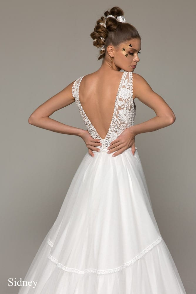 Boho A- Linie Brautkleid mit tiefem Rückenausschnitt